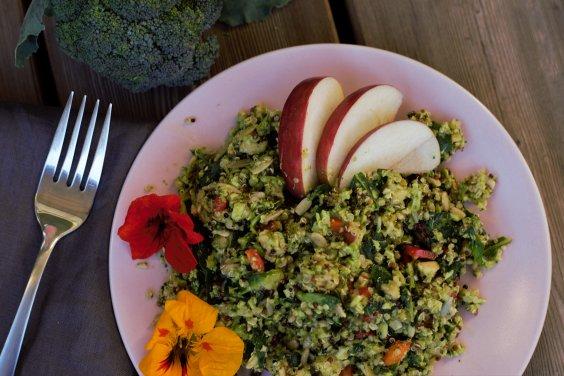 brokkoli-quinoasalat
